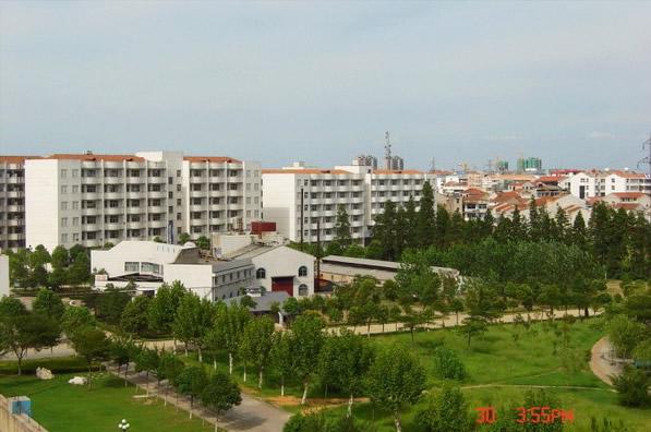 东区公寓小景 湖北职业技术学院 HuBei Polytechnic Institute图片
